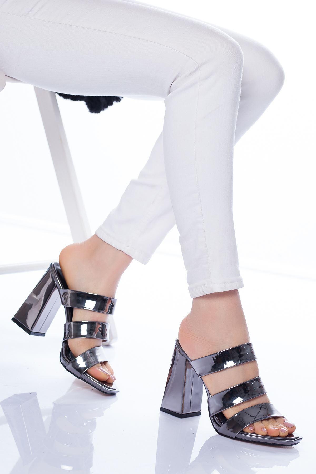 Niko Topuklu Ayakkabı PLATİN