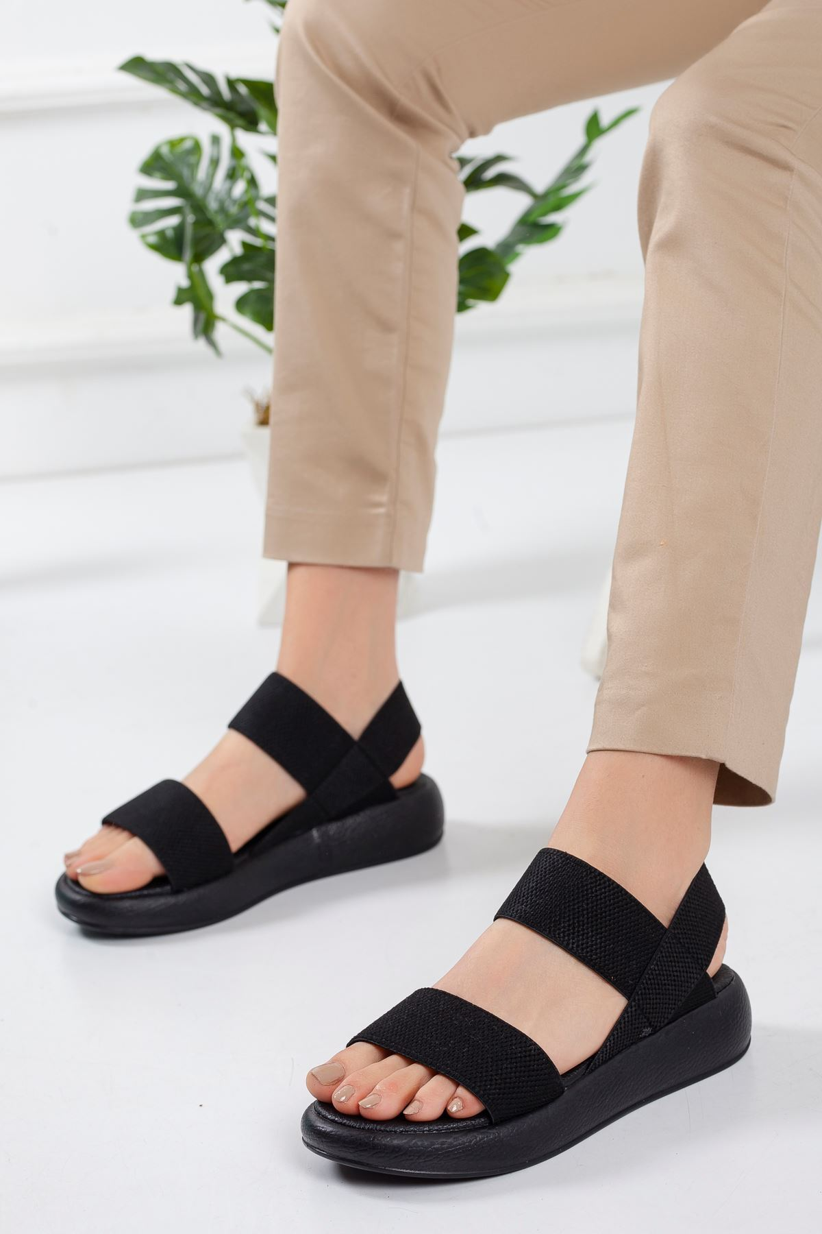 Pastel Sandalet SIYAH