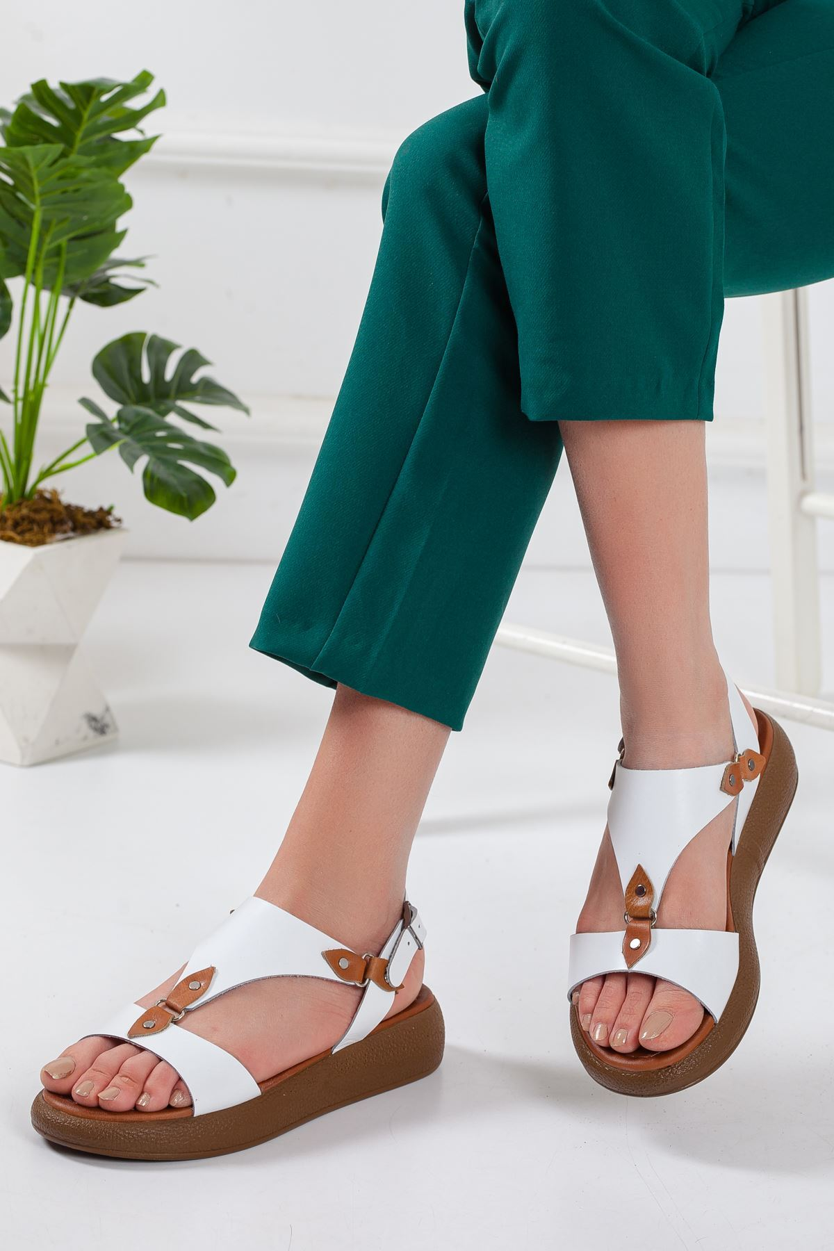 Ovve Deri Sandalet BEYAZ