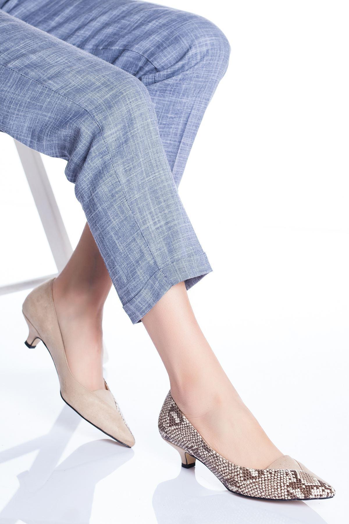 Limsi Kısa Topuklu Sivri Burun Ayakkabı Ten-Yılan