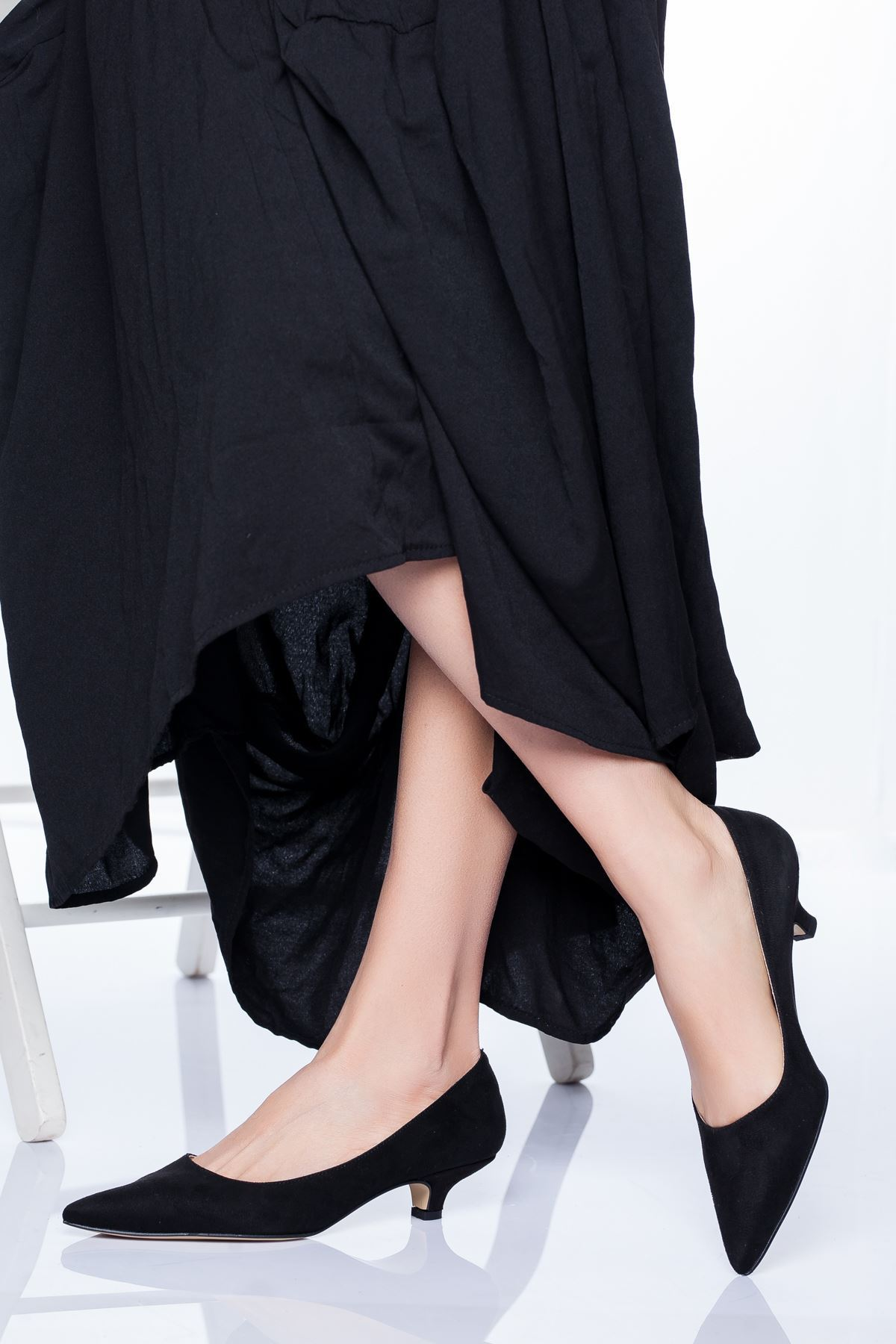 Limsi KısaTopuklu Sivri Burun Ayakkabı Siyah Süet