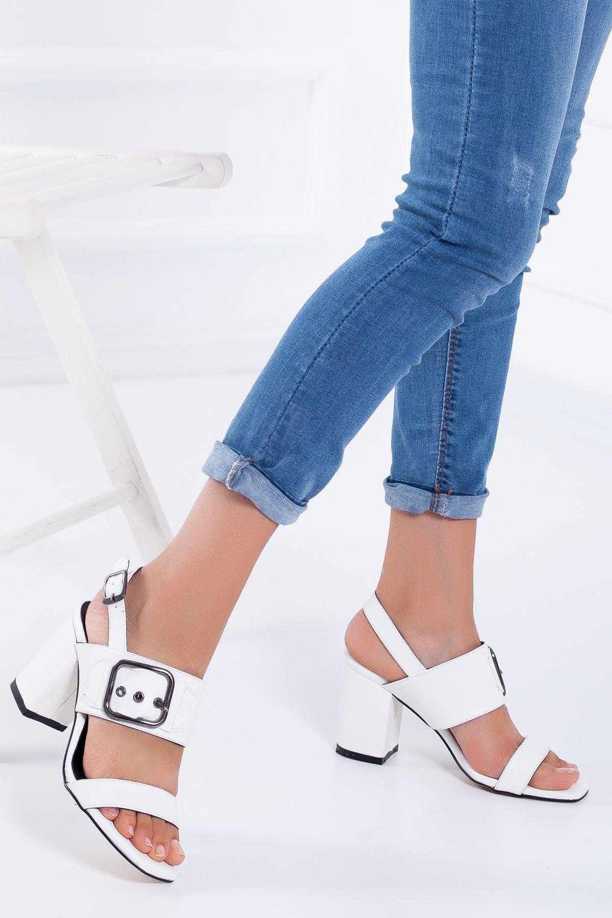 Kadın Beyaz Yazlık Kalın Topuklu Ayakkabı